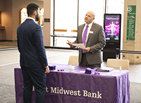 Student meeting with Industry Experts During Business Week 2019 Career Fair